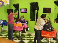 два в одном-парикмахерская и развлекательный центр