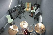 организация и сдача в аренду помещений для репетиций музыкантов