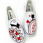 креативный товар: обувь которую можно раскрашивать