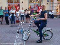 идея заработка на аттракционе – Пьяный велосипед